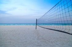 Notre détente en soirée... un peu de volleyball de plage!